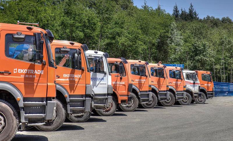 Camiones para transporte de contenedores de obra