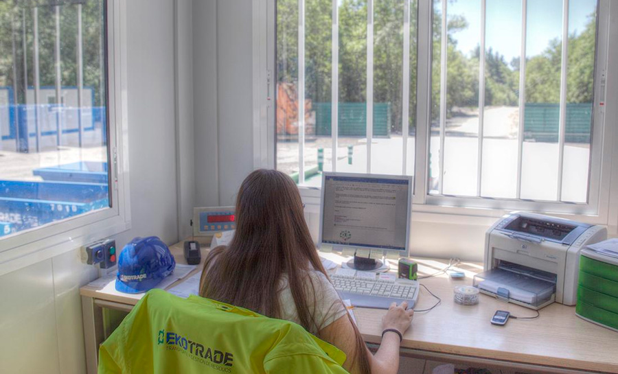 Oficina de la planta de Ekotrade.